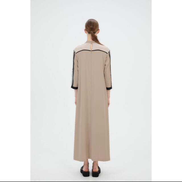 mame(マメ)のMURRAL Framed flower dress (Beige) サイズ0 レディースのワンピース(ロングワンピース/マキシワンピース)の商品写真