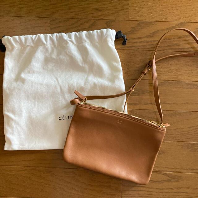 celine(セリーヌ)のCELINE トリオ スモール タン レディースのバッグ(ショルダーバッグ)の商品写真
