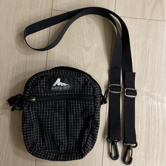 Gregory(グレゴリー)のグレゴリー旧ロゴクイックポケットMショルダーバッグ メンズのバッグ(ショルダーバッグ)の商品写真