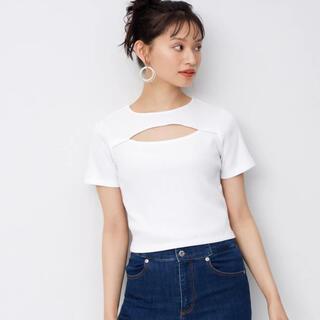 ジーユー(GU)のgu 白トップス(Tシャツ(半袖/袖なし))