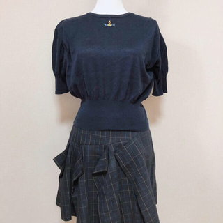 ヴィヴィアンウエストウッド(Vivienne Westwood)のサマーニット ネイビー 刺繍 イタリア製(カットソー(半袖/袖なし))