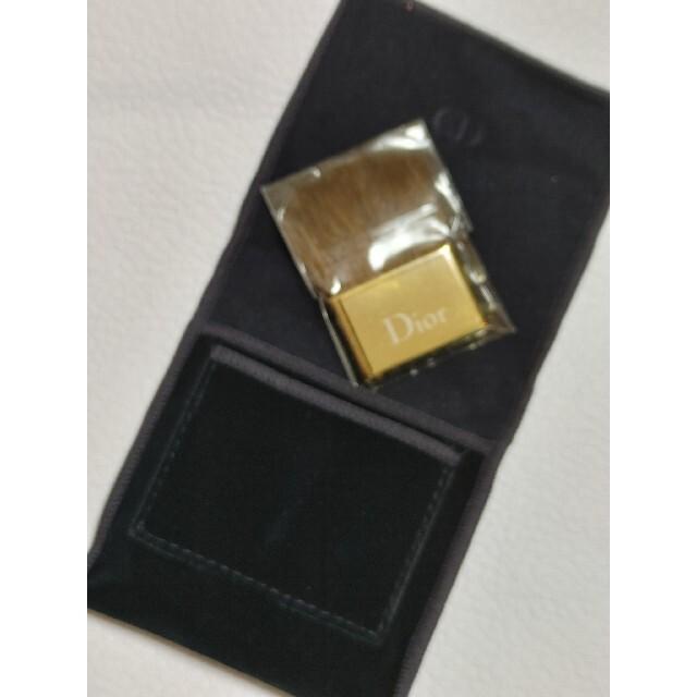 Christian Dior(クリスチャンディオール)のディオール☆ベロア布袋&ブラシ コスメ/美容のベースメイク/化粧品(フェイスパウダー)の商品写真