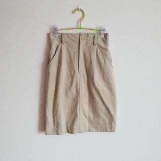 サンタモニカ(Santa Monica)のライトベージュのタイトスカート(ひざ丈スカート)