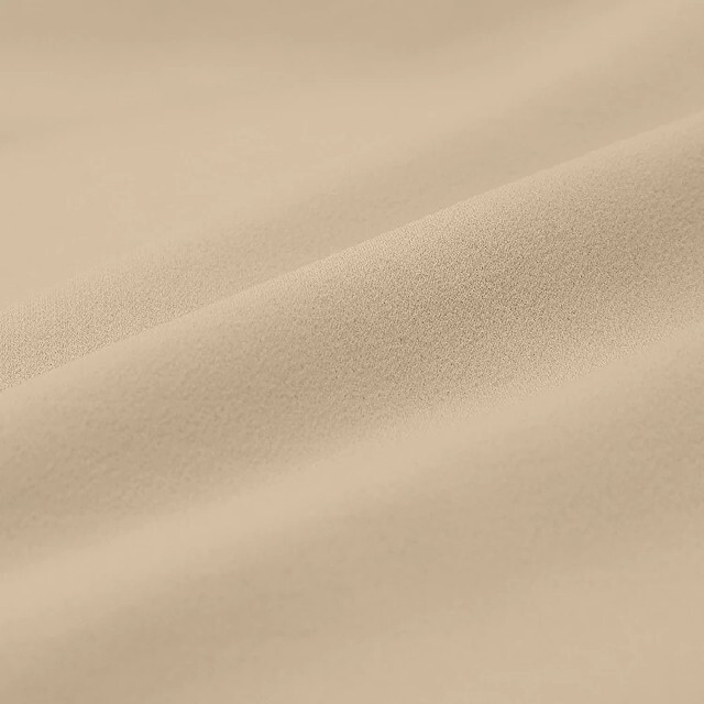 GU(ジーユー)のジーユー サテンドローストリングイージー ストレートパンツ XL タグ付き レディースのパンツ(カジュアルパンツ)の商品写真