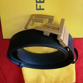 FENDI - 未使用!箱付き(FENDI)ベルト115cm新品同様