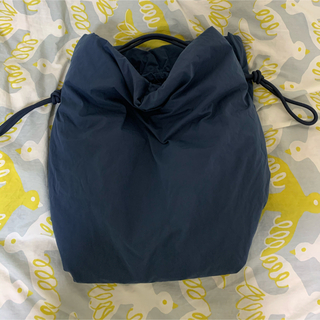 COS - 【新品、タグなし】COS large drawstring bag