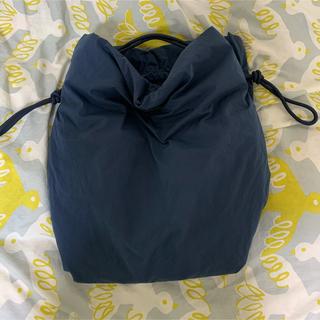 コス(COS)の【新品、タグなし】COS large drawstring bag(トートバッグ)