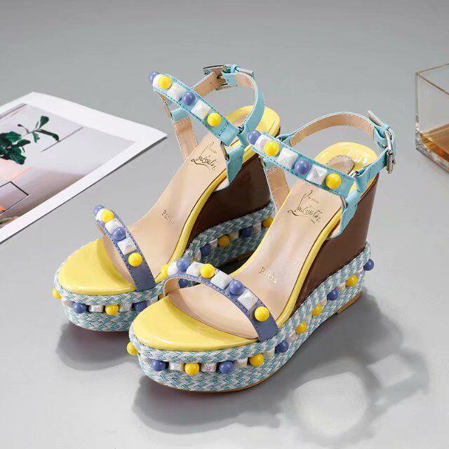 Christian Louboutin(クリスチャンルブタン)のChristian Louboutin サンダル レディースの靴/シューズ(サンダル)の商品写真