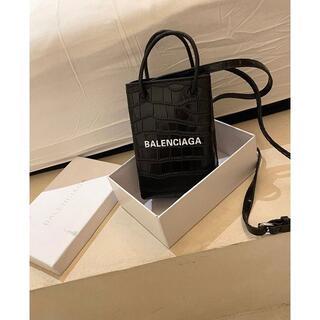 Balenciaga - BALENCIAGA クロコエンボスレザーバッグ