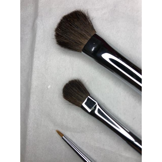 CHANEL(シャネル)のアイライナー、ブラシ 3本セット、未使用 コスメ/美容のベースメイク/化粧品(アイライナー)の商品写真