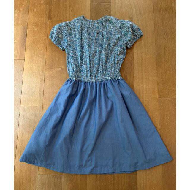 familiar(ファミリア)の美品❁︎ファミリア ブルーの小花ワンピース150サイズ キッズ/ベビー/マタニティのキッズ服女の子用(90cm~)(ワンピース)の商品写真