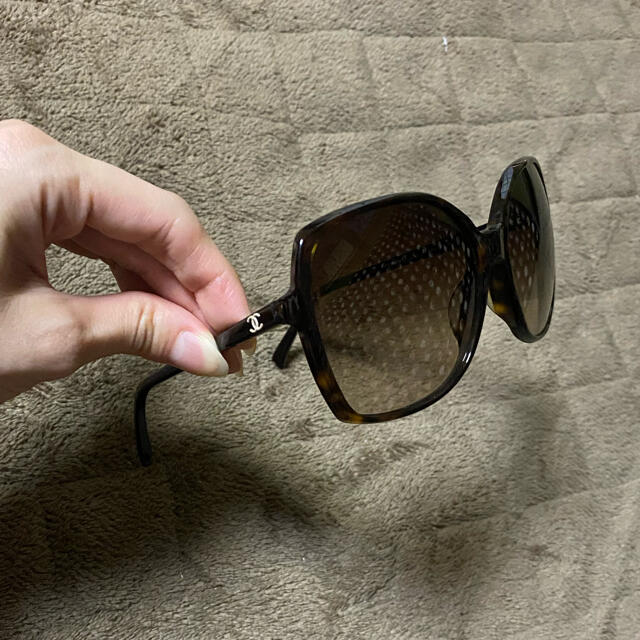 CHANEL(シャネル)のシャネル べっ甲ブラウングラデーションサングラス レディースのファッション小物(サングラス/メガネ)の商品写真
