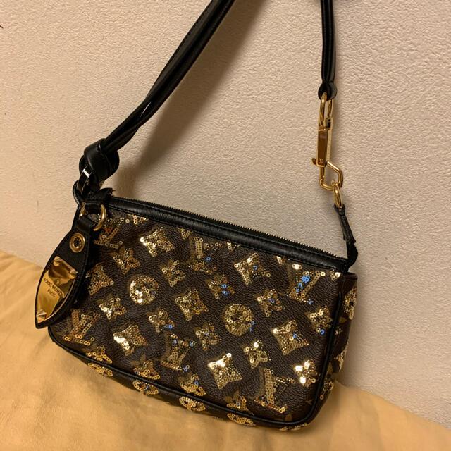 LOUIS VUITTON(ルイヴィトン)のルイヴィトン  アクセソワール エクリプス スパンコール レディースのバッグ(ハンドバッグ)の商品写真