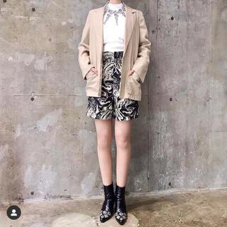 トーガ(TOGA)のMARBLE PRINT COTTON SHORT PANTS(ショートパンツ)