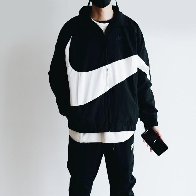 NIKE(ナイキ)のnike ウーブンジャケット ビッグスウォッシュ M メンズのジャケット/アウター(ナイロンジャケット)の商品写真