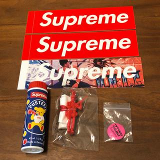 Supreme - シュプリーム Supreme 【セット売り】缶バッチ パラシュート シャボン玉