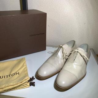 ルイヴィトン(LOUIS VUITTON)の美品 LOUIS VUITTON ルイヴィトン ドレスシューズ   ホワイト(ドレス/ビジネス)
