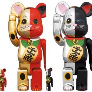 メディコムトイ(MEDICOM TOY)のBE@RBRICK 招き猫金×赤銀×黒100% & 400%セット(その他)
