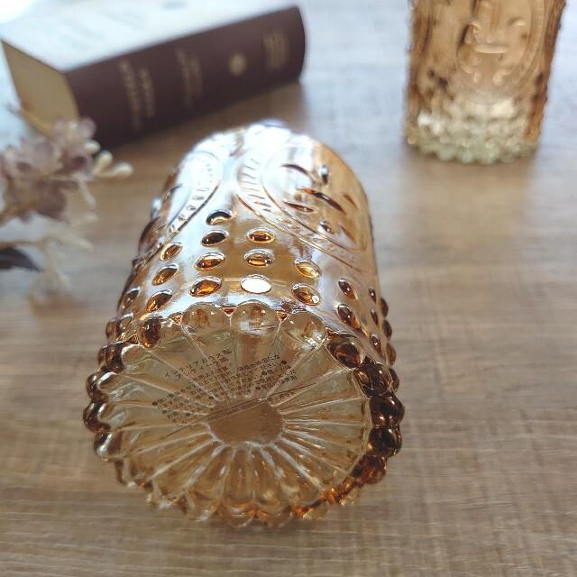 エンボスフラワーベース 透明ガラス 1個 インテリア/住まい/日用品のインテリア小物(花瓶)の商品写真