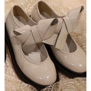 メリージェニー(merry jenny)のmerry jenny エナメルリボンラバーシューズ(ローファー/革靴)