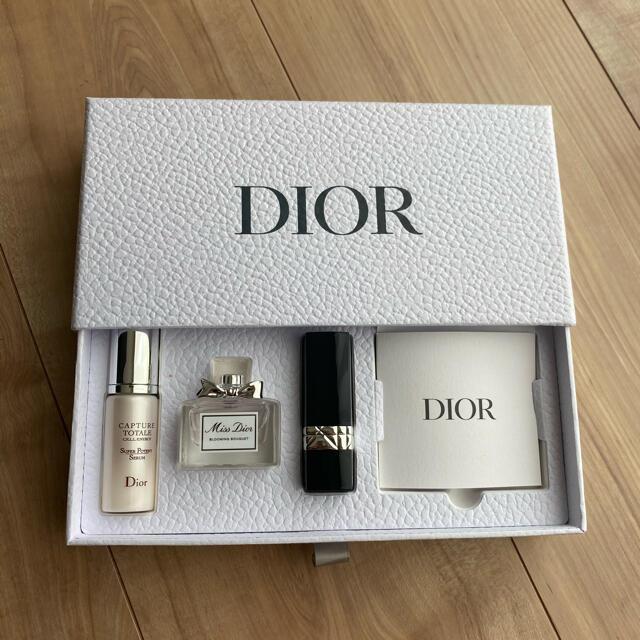 Christian Dior(クリスチャンディオール)のDior バースデーギフト 香水 リップ ディオール ノベルティ コスメ/美容の香水(香水(女性用))の商品写真