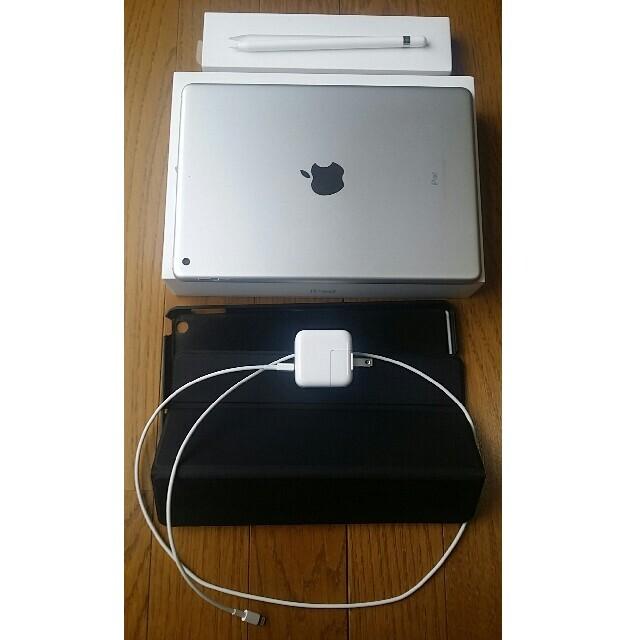 iPad(アイパッド)の【美品】iPad 第6世代 【純正ペン付き】 スマホ/家電/カメラのPC/タブレット(タブレット)の商品写真