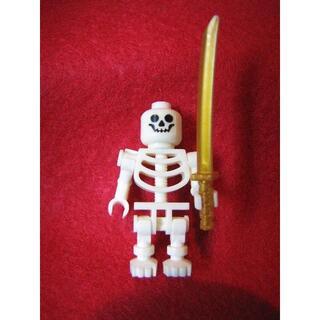 レゴ(Lego)の送料無料☆フィグ★骸骨★スケルトン★ガイコツ★刀付☆新品★レゴ-LEGO(積み木/ブロック)