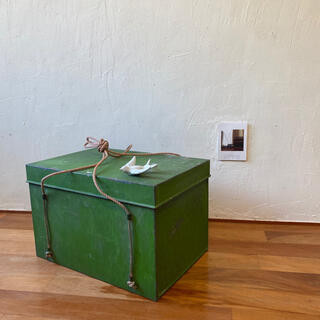 グリーンのブリキボックス