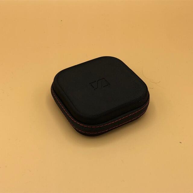 SENNHEISER(ゼンハイザー)のカナル型イヤフォン MOMENTUM In-Ear i ① スマホ/家電/カメラのオーディオ機器(ヘッドフォン/イヤフォン)の商品写真