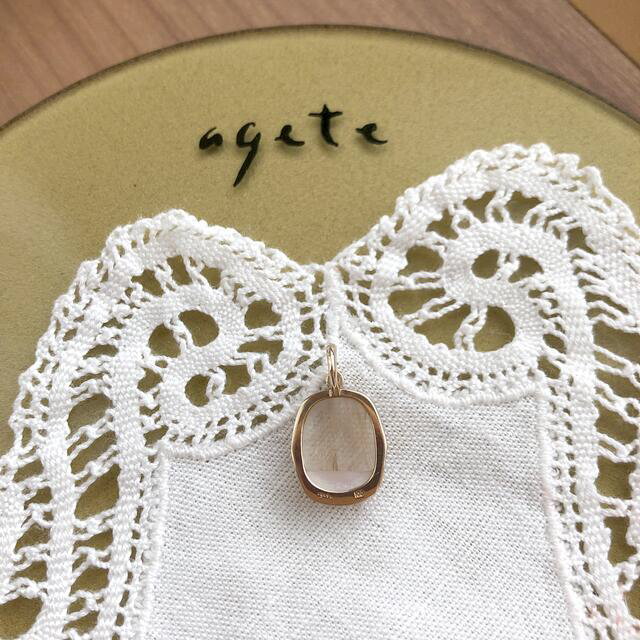 agete(アガット)のagete  K10  ルチルクォーツ チャーム 雅姫コラボ  レディースのアクセサリー(チャーム)の商品写真