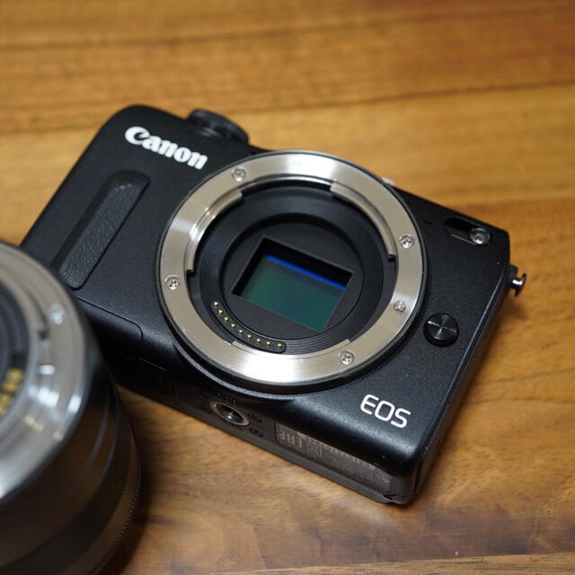 Wi-Fi機能搭載 Canon キャノン EOS M2 ブラック スマホ/家電/カメラのカメラ(ミラーレス一眼)の商品写真