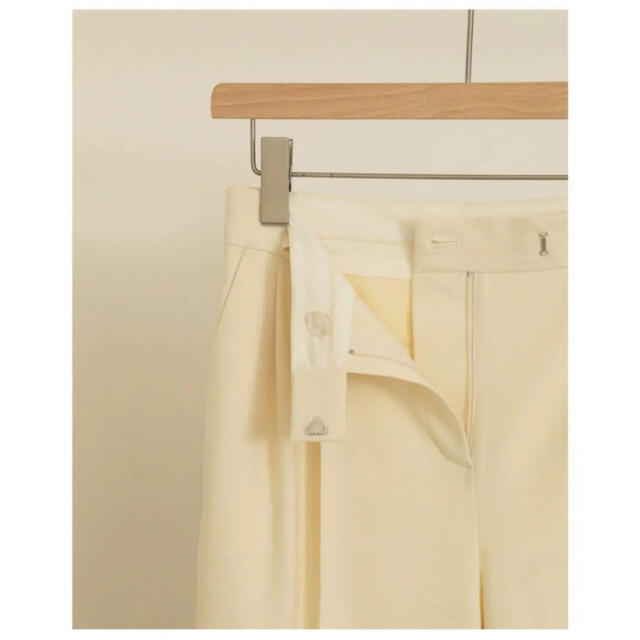 TODAYFUL(トゥデイフル)のTODAYFUL⚪️Tuck Tapered Trousers レディースのパンツ(カジュアルパンツ)の商品写真