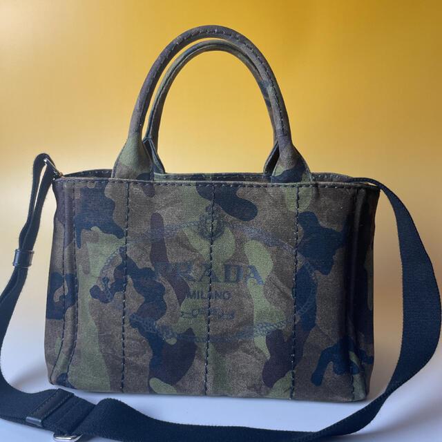 PRADA(プラダ)のPRADA 美品 2way ミニ カナパ カモフラ 迷彩 ハンドバッグ プラダ レディースのバッグ(ショルダーバッグ)の商品写真