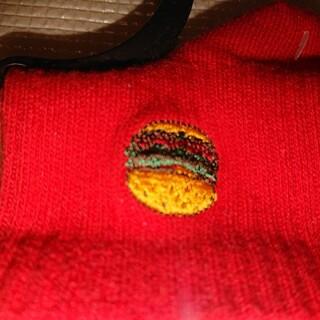 赤い靴下 バーガー柄