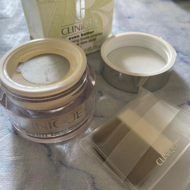 CLINIQUE(クリニーク)のCLINIQUE フェイスパウダー コスメ/美容のベースメイク/化粧品(フェイスパウダー)の商品写真