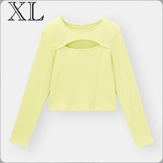 ジーユー(GU)のカジュアル セクシー ショート丈 胸元カットアウト リブニットTシャツ 黄 XL(Tシャツ(長袖/七分))