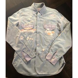 フレディアンドグロスター(FREDY & GLOSTER)のハンド刺繍シャンブレーシャツ(シャツ)