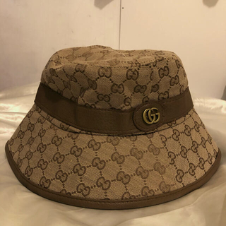 Gucci - Gucci(グッチ) ロゴ バケットハット 帽子 ベージュ