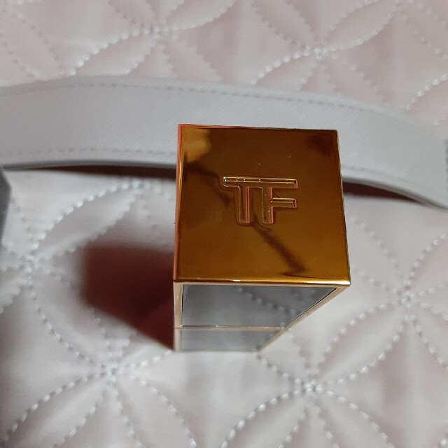 TOM FORD(トムフォード)のトムフォード リップカラー ネイキッド コーラル 21 コスメ/美容のベースメイク/化粧品(口紅)の商品写真