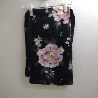 ユニクロ(UNIQLO)の送料無料 美品 ユニクロ 浴衣 牡丹 桜 ブラック ピンク (浴衣)