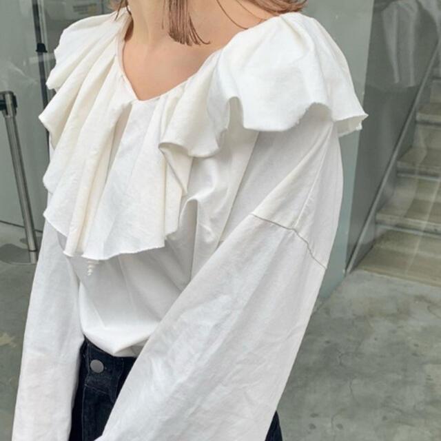 Kastane(カスタネ)の裁ち切り衿フリルプルオーバー レディースのトップス(カットソー(長袖/七分))の商品写真