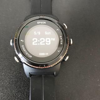 エプソン(EPSON)の値下げエプソンEPSON ランニング WristableGPS U-350BS(腕時計(デジタル))