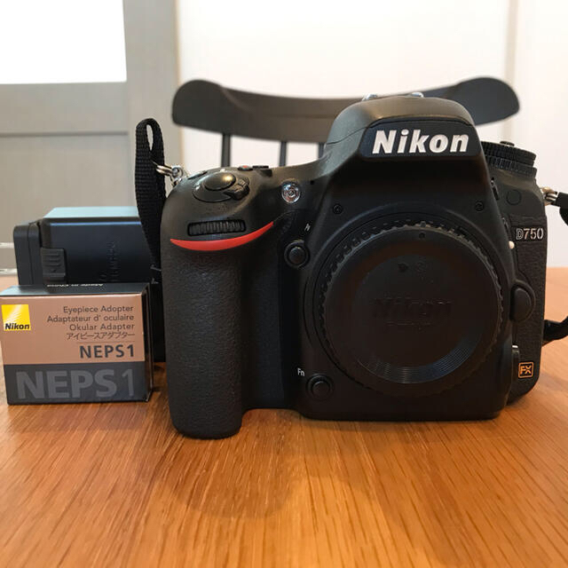 Nikon(ニコン)のNikon D750 ボディ NEPS1 DK-17 予備バッテリーつき スマホ/家電/カメラのカメラ(デジタル一眼)の商品写真