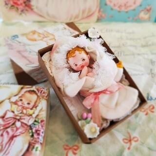 miumoe  ベビーカードの中からBaby    boxセット(人形)