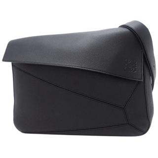 ロエベ(LOEWE)のロエベ ショルダー パズル メッセンジャー ブラック黒 40800071865(ショルダーバッグ)