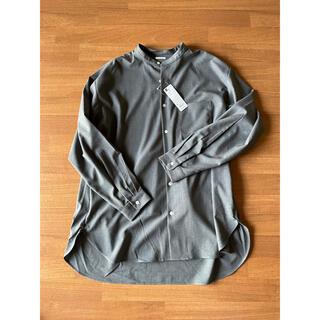 ジーユー(GU)のタグ付き新品未使用品 GU オーバーサイズスタンドカラーシャツ(長袖)(シャツ)