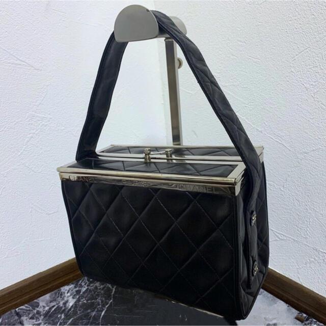 CHANEL(シャネル)の専用!極美品!シャネル 観音開き ハードボックス型 マトラッセ ハンドバッグ レディースのバッグ(ハンドバッグ)の商品写真