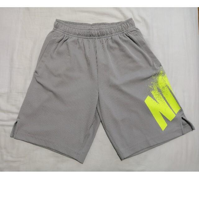 NIKE(ナイキ)のNIKE ドライフィット ハーフパンツ 160 キッズ/ベビー/マタニティのキッズ服男の子用(90cm~)(パンツ/スパッツ)の商品写真