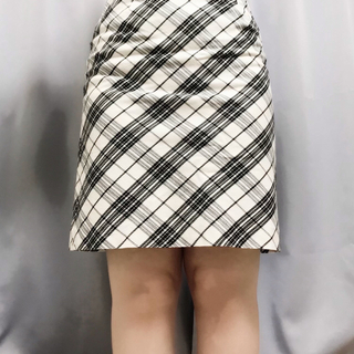 エルプラネット(ELLE PLANETE)のELLE PLANETE ホワイトチェック スカート 38サイズ Sサイズ(ひざ丈スカート)