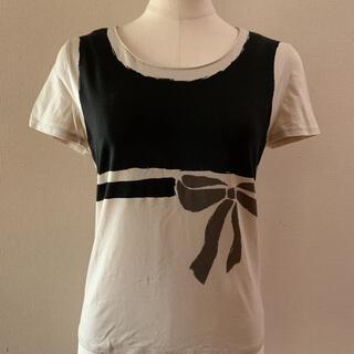 エムズグレイシー(M'S GRACY)のエムズグレイシー リボンプリントTシャツ38(Tシャツ(半袖/袖なし))